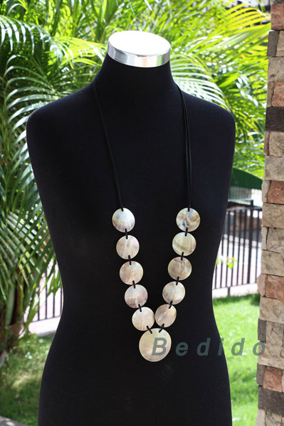 Ladies Black Lip Shell Jewelry
