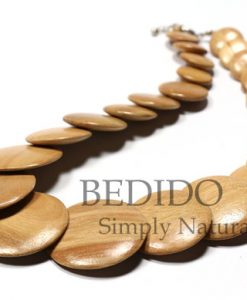 overlapping wood beads necklace